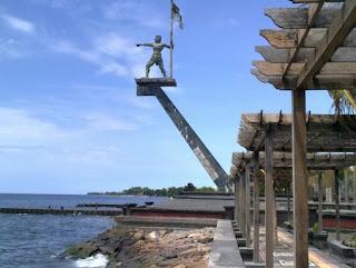 http://www.teluklove.com/2017/01/daya-tarik-objek-wisata-pelabuhan.html