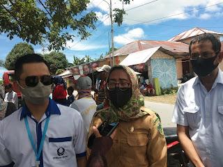 Ketua Hiswana Migas Kota Tual dan kabupaten Maluku Tenggara Andi Awal (kiri) bersama Kadis Perindag Darnawati Amir S.Kep., M.Kes (Tengah) dan Ketua Kadin Tual Ridwan Hamud