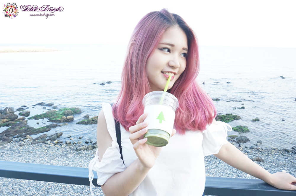 pink-unicorn-hair-by-the-beach-sea-ootd-fashion