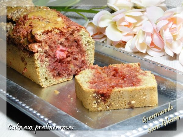 Cake aux pralines roses sans gluten et sans lactose