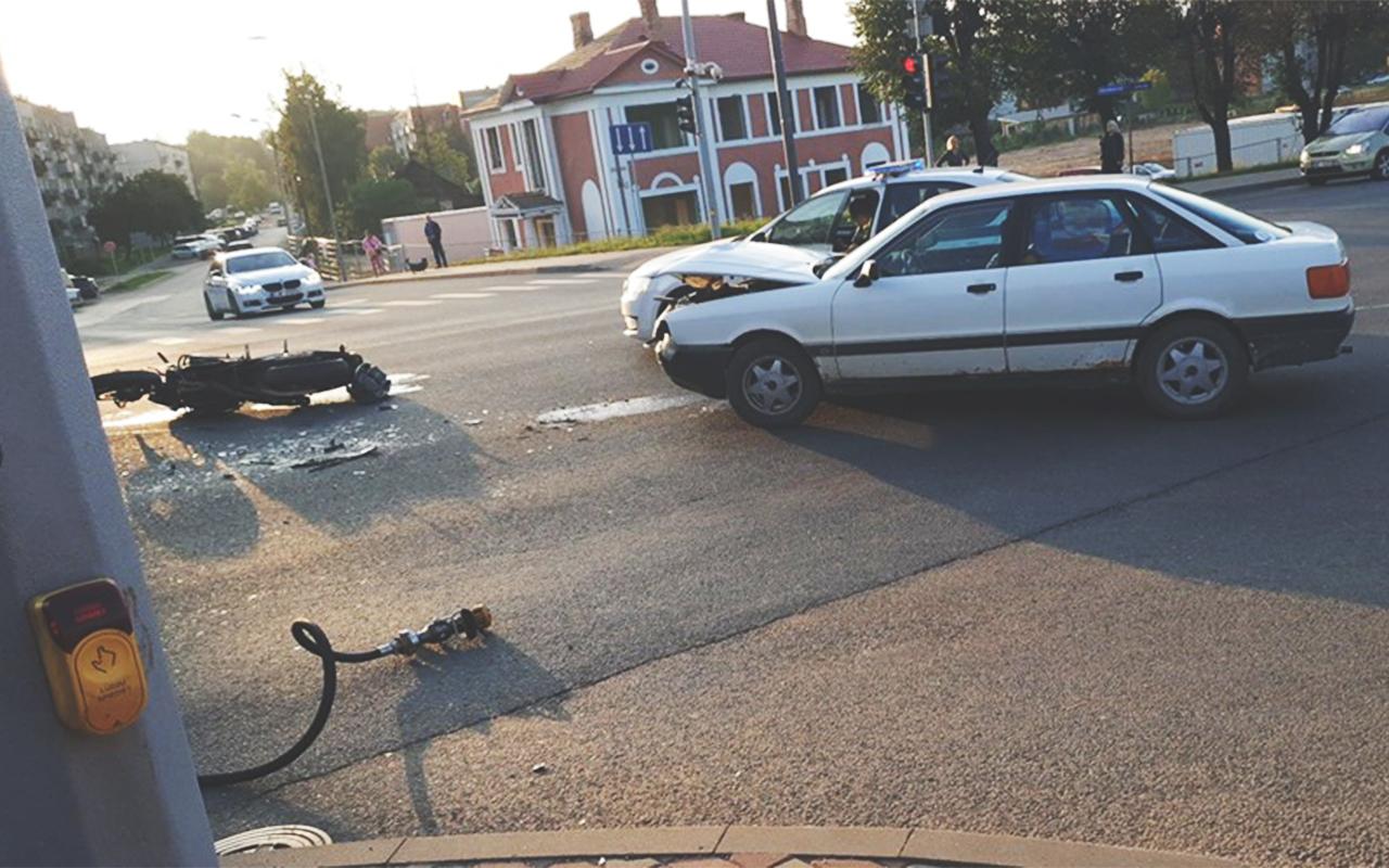 Motocikla un vieglā auto avārija Rēzeknē