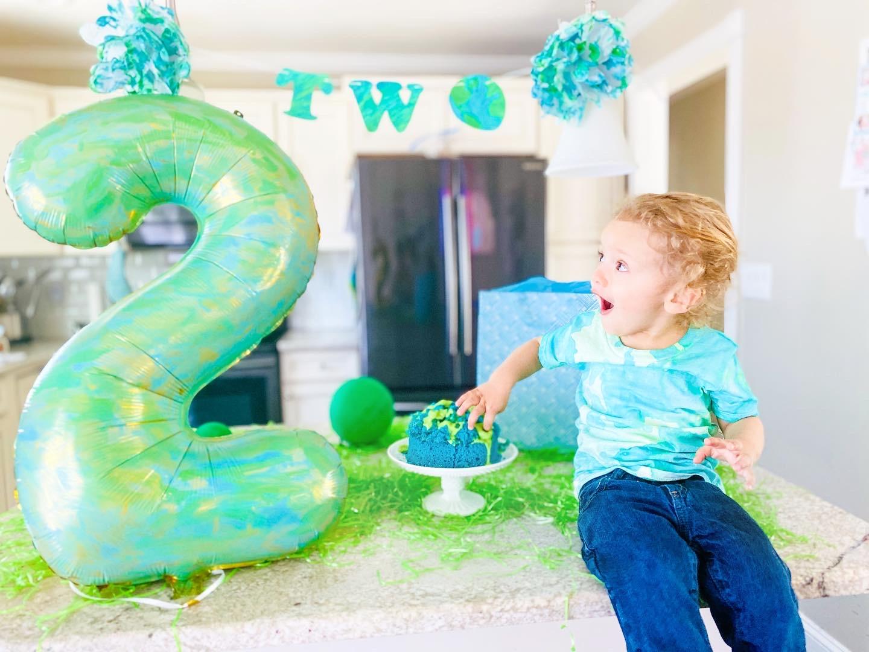 2nd birthday, birthday party, earth day, earth day party, birthday, zoom birthday, virtual birthday, second birthday, earth day birthday, pandemic, coronavirus, mom blogger, latina mom, new york family, new york mom, long island mom, long island family