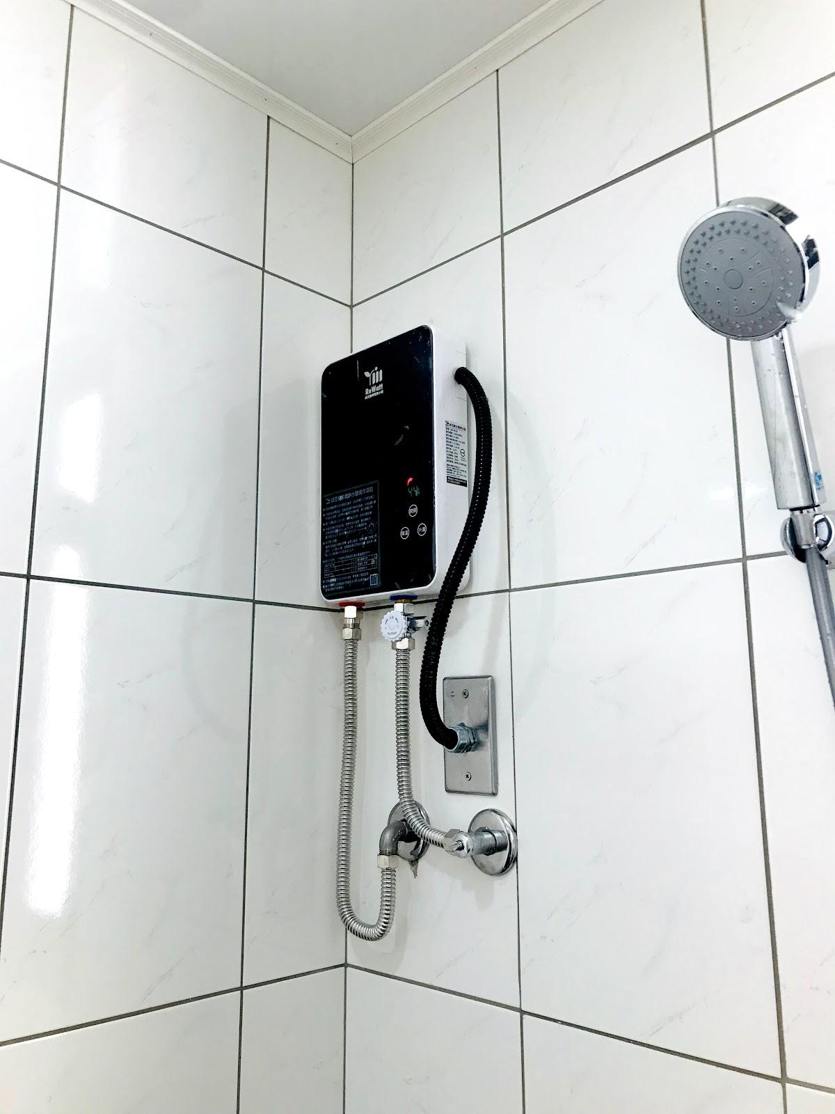 數位恆溫電熱水器