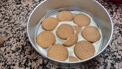 la primera capa de galletas