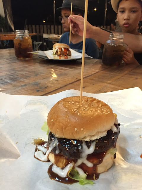 Deen Burger Bakar