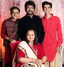 वंदना विठलानी अपने पति और बेटों के साथ | vandana vithlani with her husband and son