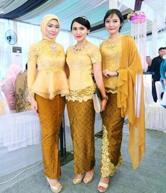 Batik Kombinasi Brokat Yang Modern