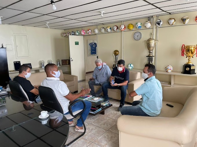 Prefeito Adriano Lima se reúne com Presidente da FBF e almeja time de Serrinha no Campeonato Baiano