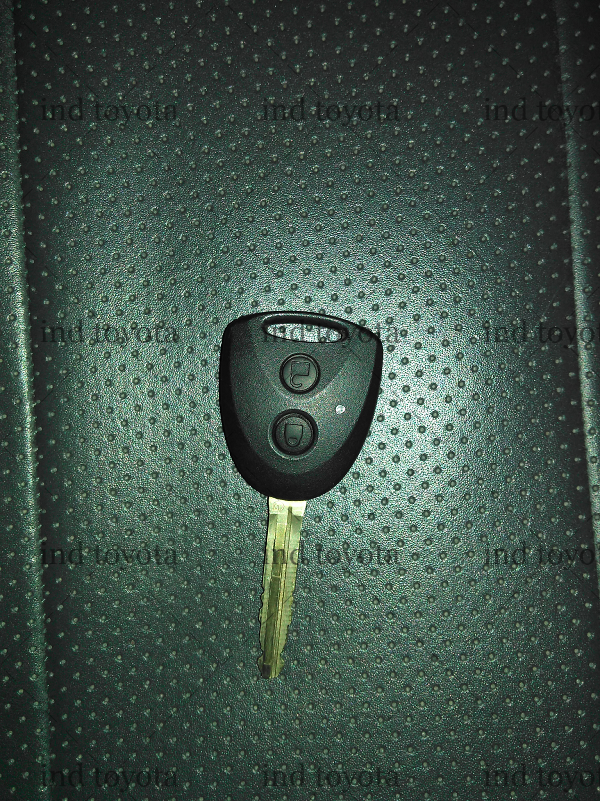 Cara Setting Alarm Grand New Avanza Interior Yaris Trd Sportivo Menyetel Sensitifitas Kendaraan Mobil Toyota Dari Dua Penyetelan Di Bawah Ini Mengunakan Kunci Seperti Berikut