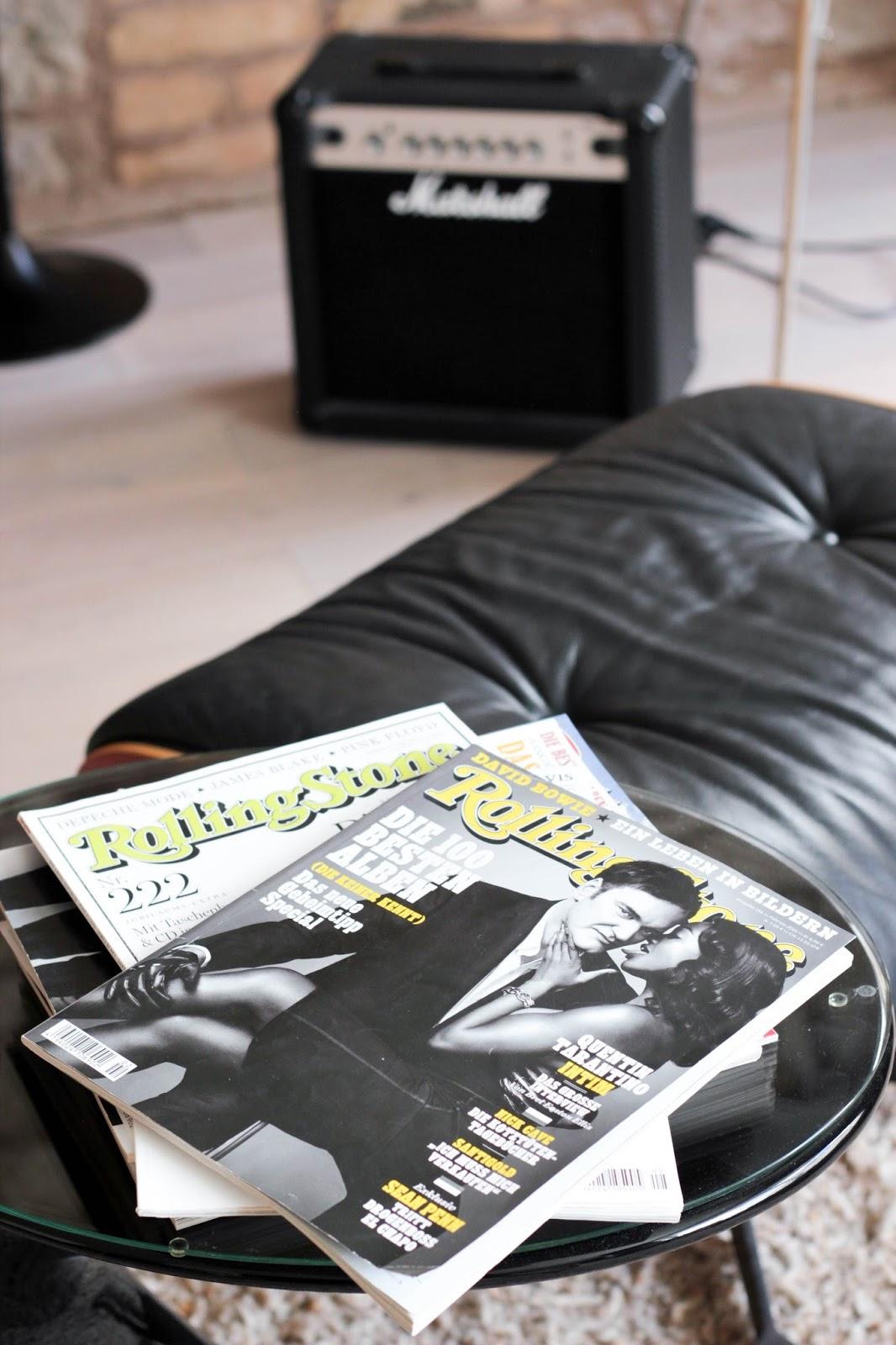 Übernachten im Lösch für Freunde im Musikzimmer, Sessel Eames