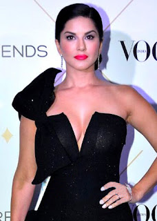 Sunny Leone hot sexy black dress