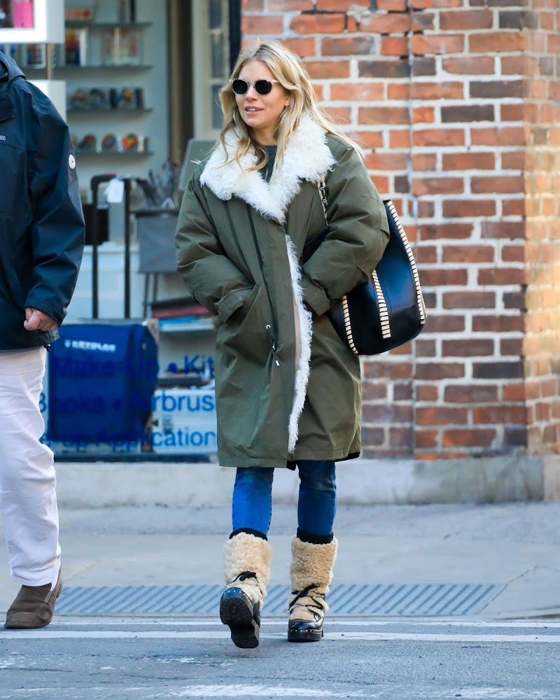 Sienna Miller Clicked  Outside in New York 21 Jan -20202