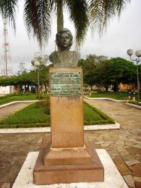 Busto de Francisca Júlia, em Eldorado
