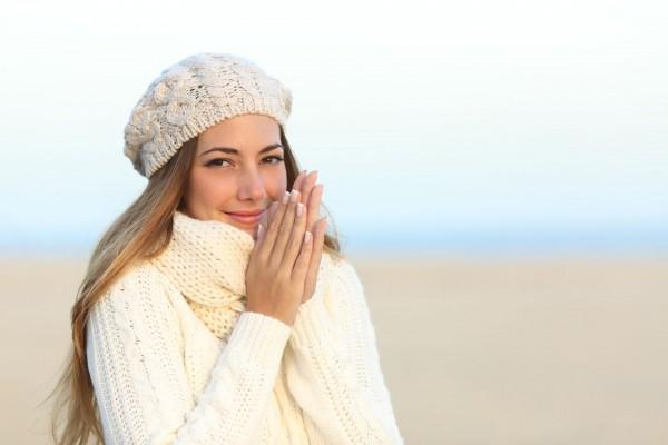 No inverno, estamos menos expostos e talvez menos preocupados com a beleza e a proteção de nossa pele. No entanto, para ter uma pele saudável no verão, temos que dobrar nossos esforços para cuidar dela nos meses mais frios do ano. Saiba no dicas de como cuidar da pele no inverno.