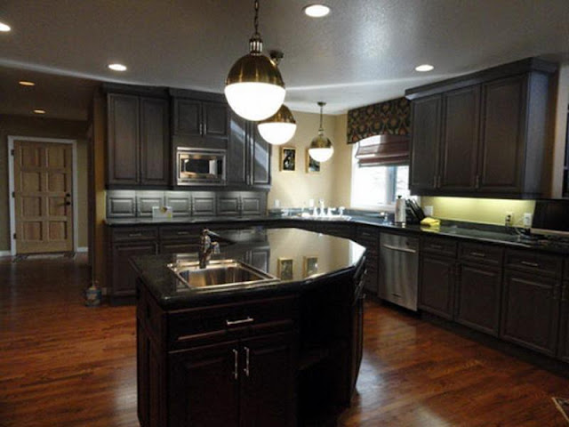 Wood kitchen styles with modern appliances and warm colors Wood kitchen styles with modern appliances and warm colors Wood 2Bkitchen 2Bstyles 2Bwith 2Bmodern 2Bappliances 2Band 2Bwarm 2Bcolors9