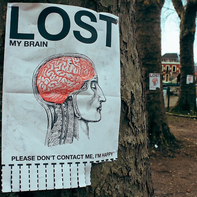 LOST my brain - Please don't contact me, I'm happy - Théo Gosselin
