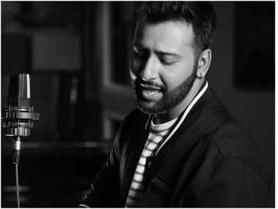 Ishq Tanha Lyrics in English - Siddharth Amit Bhavsar | Reem Sameer