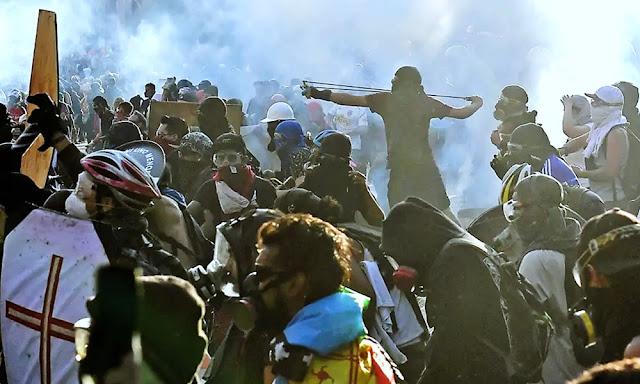 En medio de las protestas, robaron más de 200.000 dólares de un banco en Chile