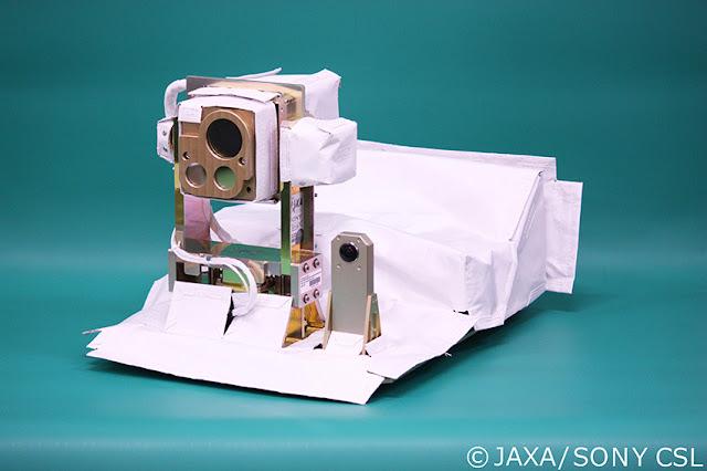 Jaxa e Ricoh lançam para o espaço a câmara 360º mais pequena do mundo