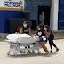 VÍDEO: Família rouba corpo de homem que morreu de Covid-19 e sai correndo com maca por cidade