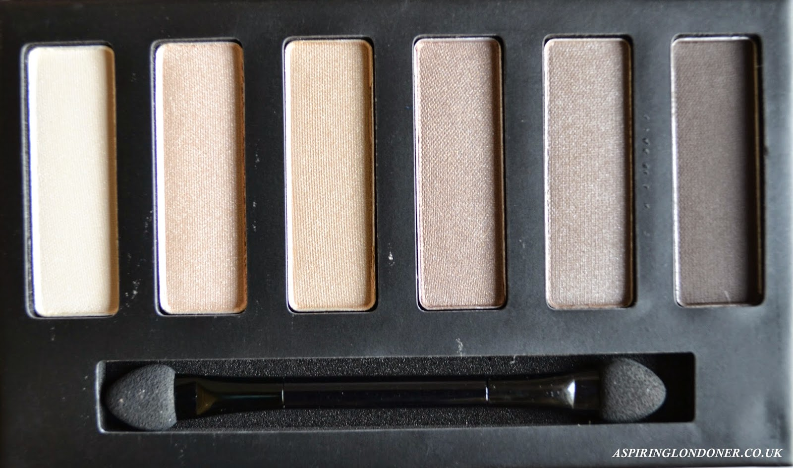 Collection Eyes Uncovered Nude Palette - Aspiring Londoner