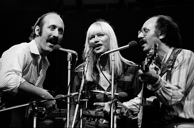 Un Clásico: Peter, Paul and Mary - Puff The Magic Dragon