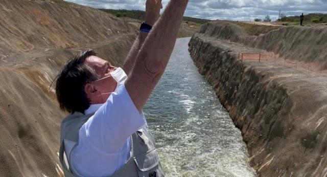 Bolsonaro inaugura abertura de comportas do Rio São Francisco