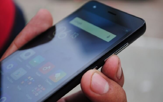 Cara Screenshot Xiaomi Menggunakan Kombinasi Tombol