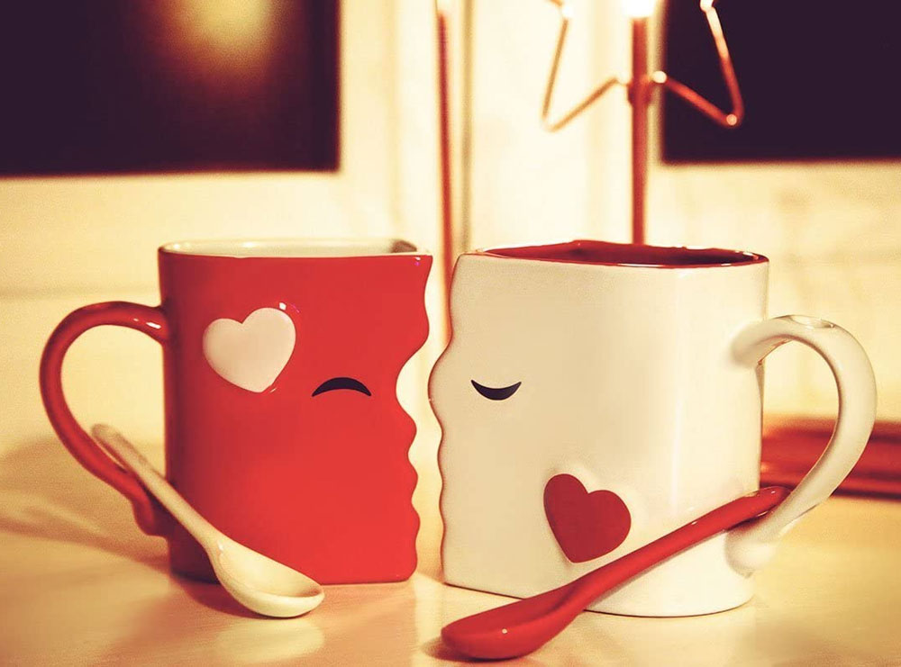 kissing mugs gift set