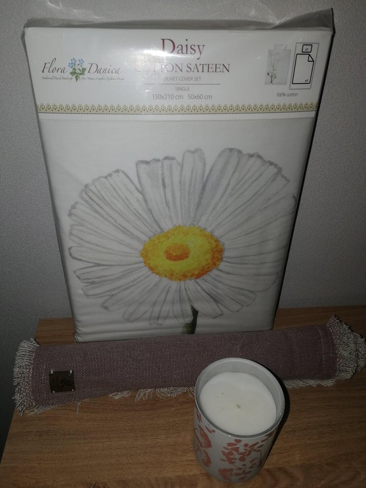 daisy pussilakanasetti tabletti kynttilä