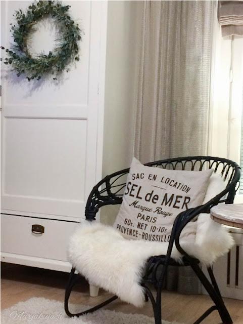 rottinkituoli parolan lumikenkä ikea H&M sisustus skandinaavinen musta