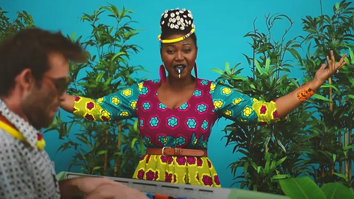 """Découvrez le dernier clip complètement fou de Electric Mamba """"Bande de Bangui"""""""