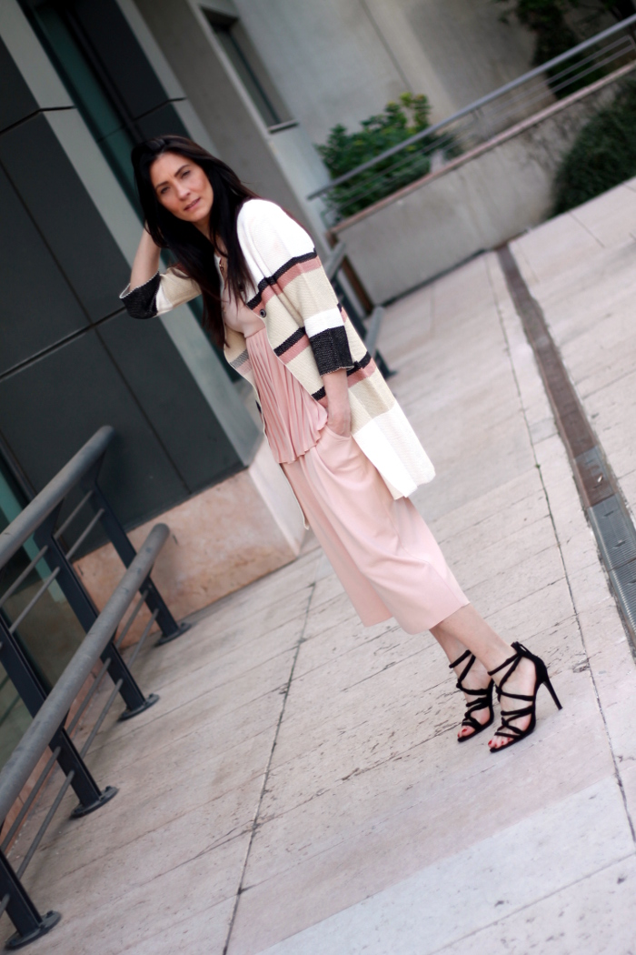 paola buonacara, outfit in pink, fashion, fashionblog, fashionblogger, moda, mode, ootd, no na, sistes, top, pinocchietti, italian blogger, italian fashion blogger, fashion blogger italiana , fashion blog italia, serbia fashion week, verona