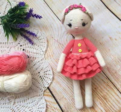Кошечка амигуруми в платье крючком