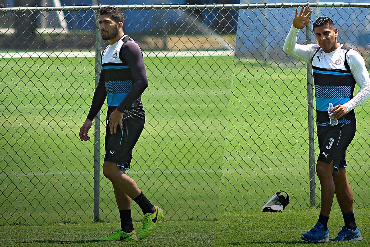 Jair Pereira y Carlos Salcido.