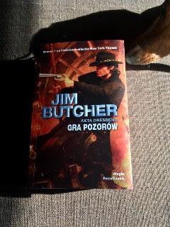 """do pożarcia, czyli """"Gra pozorów"""" Jim Butcher, fot. paratexterka ©"""