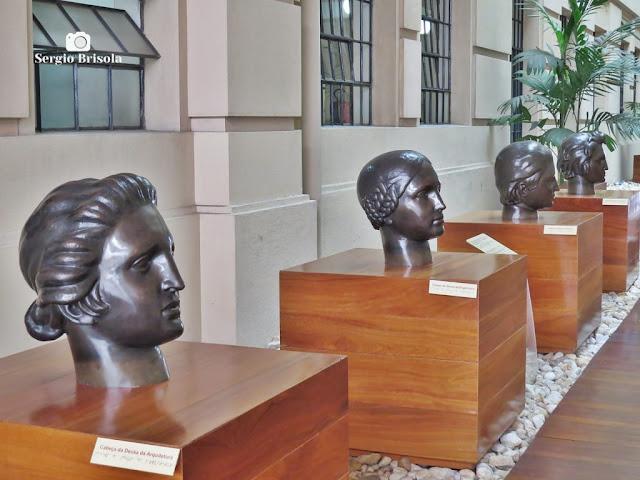 Vista das Esculturas Cabeças de Deusas - Sala São Paulo - Luz - São Paulo