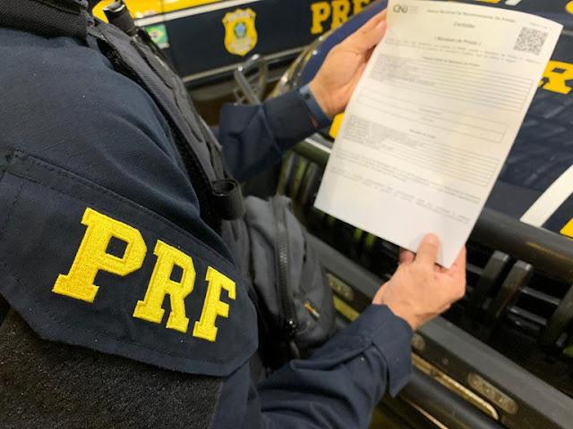 Foragido da justiça de Jucurutu por tráfico de drogas é preso na BR-304 no RN