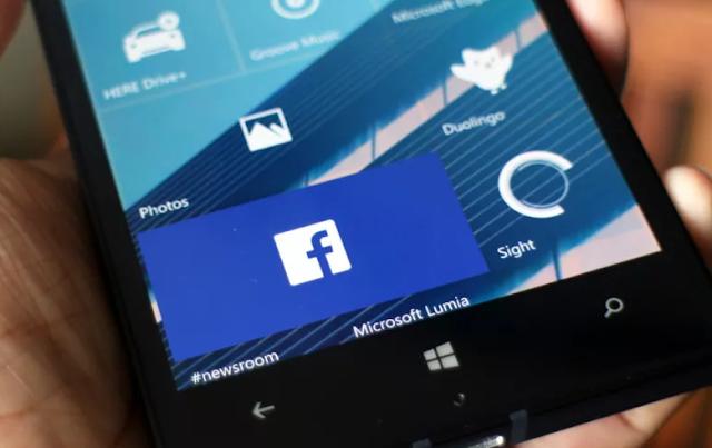 تم حذف فيسبوك وتطبيق Messenger الخاص به من متجر ويندوز فون