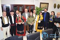 Χριστουγεννιάτικα κάλαντα και ευχές στον Δήμαρχο Φλώρινας