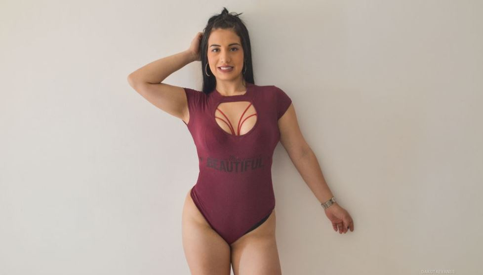 DakotaEvanss Model GlamourCams