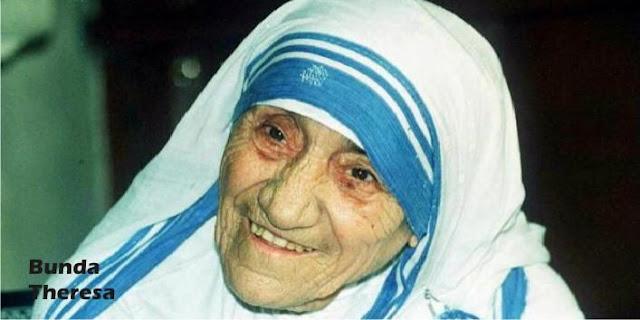 Muncul Wanita Berhijab Syar'i dan Berkalung Salib, Apakah Itu Pelecehan Agama?