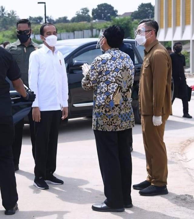 Didampingi Rektor, Wagub Banten Sambut Jokowi Resmikan Kampus Baru Untirta