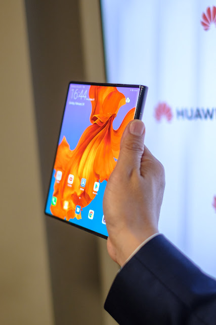 Huawei Mate X foldable phone full specification and price