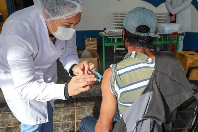 Laranjeiras: Saúde faz repescagem da primeira dose da vacina contra a Covid-19 para pessoas acima de 18 anos