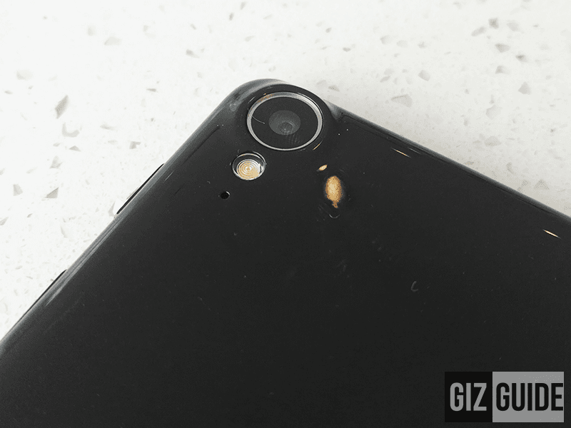 Rear camera with flash