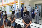 Nahkoda Kapal Kabur, Bakamla RI Amankan 19 PMI Ilegal di Perairan Tanjung Sauh
