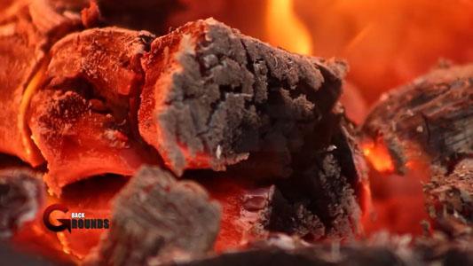 تحميل خلفية فيديو خشب ملتهب يحترق بجودة HD للمونتاج . Burning Wood ROYALTY FREE Footage HD
