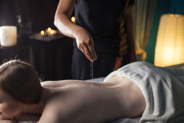 FULL BODY MASSAGE: Types, Health Benefits And preparation
