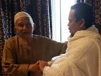Desmond nilai tak ada yang salah Amien Rais ketemu Rizieq di Makkah